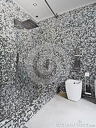Stanza da bagno moderna con le mattonelle di mosaico fotografie stock immagine 25880093 - Mattonelle mosaico bagno ...