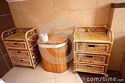 Stanza da bagno semplice