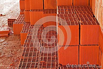 stapel rote bausteine lizenzfreie stockfotos bild 28028028. Black Bedroom Furniture Sets. Home Design Ideas