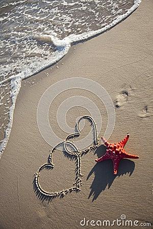Free Starfish And Hearts Royalty Free Stock Photos - 11247668