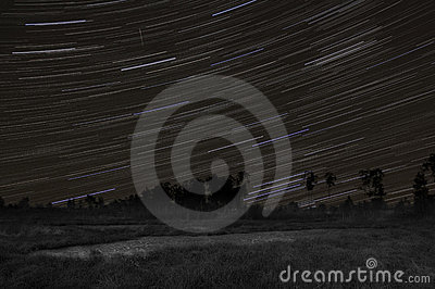 Startrails with orionid meteor