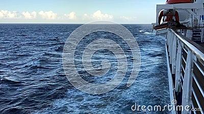 Statek Wycieczkowy i kilwater zbiory wideo