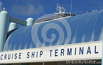 Statek wycieczkowy terninal