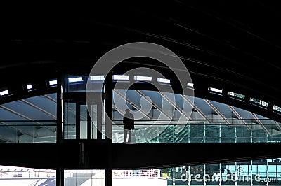 Station de train moderne Photo éditorial