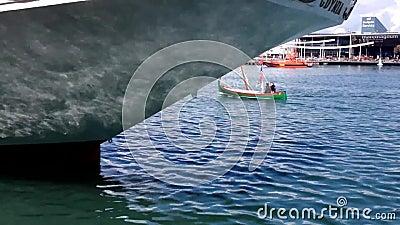 Statku błękita wodny łódkowaty transport zbiory