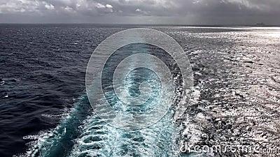 Statku Wycieczkowego ` kilwater zbiory