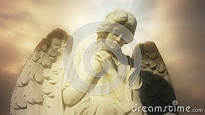Statua anioł na czasu upływu złotych chmurach - anioł 0102 HD zbiory