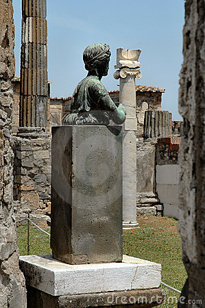 Statue and Columns In Pompeii, Italy