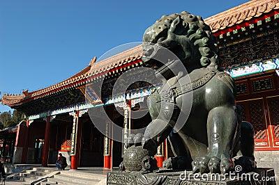 Statue de lion