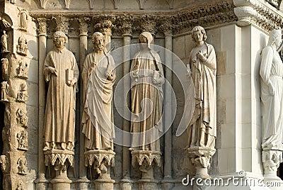 Statue di pietra, cattedrale di Reims,