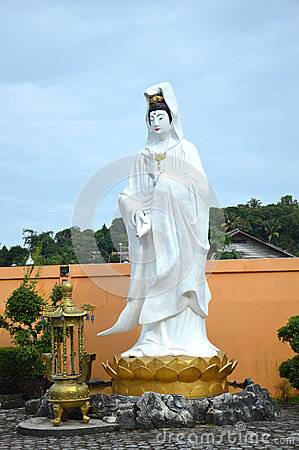 Statue of Goddess Kwan Im