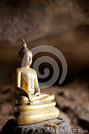 Statue gold Buddha