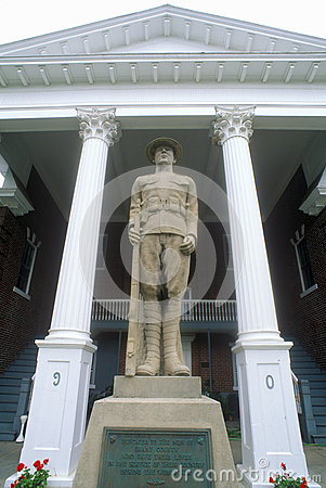 Free Statue In Front Of Petersburg Courthouse On US Route 55, Petersburg, VA Stock Image - 52270311