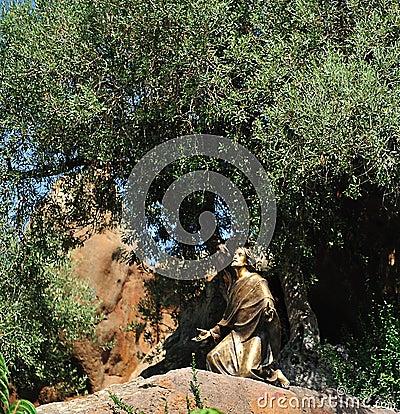 Statue of Jesus ...