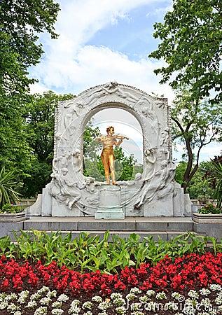 Statue of Johann Strauss