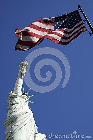 Statue of liberty and the american flag united sta