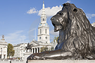 Statue of a lion in Trafalgar Square in London