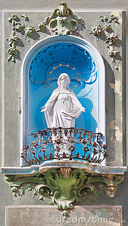 Statue of Mary.