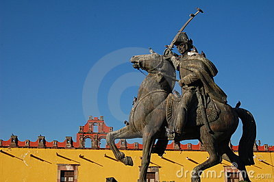 Statue of Mexican Hero