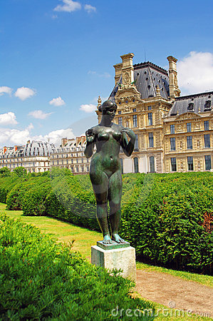 Statue of a naked woman, Paris