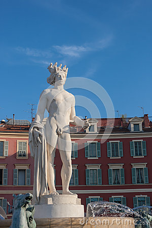 Statue in Nizza, Frankreich