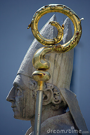 Free Statue Of A Pope Royalty Free Stock Photography - 13381127