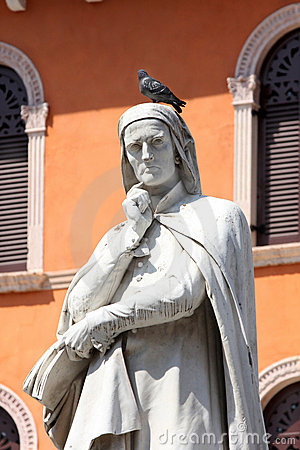 Free Statue Of Dante Alighieri In Verona Stock Photos - 9504633