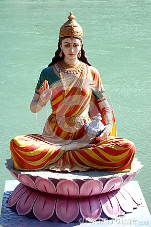 Free Statue Of Divine Mother Blessing Stock Images - 90177744