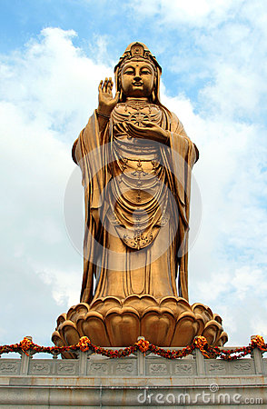 Free Statue Of Godness Guanyin In The Putuoshan Island Stock Photography - 35297512