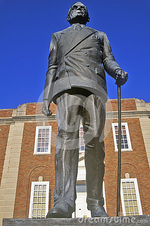 Free Statue Of Harry S. Truman In Front Of The Jackson County Courthouse, Independence, MO Stock Photo - 52268340