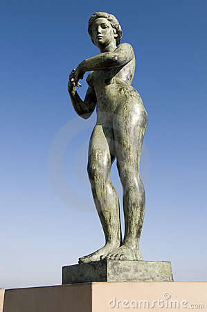 Free Statue Of Naked Woman Stock Image - 7733731