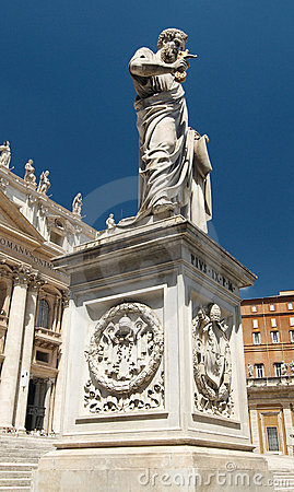 Free Statue Of Saint Peter On Saint Peter S Square Stock Photography - 6137642