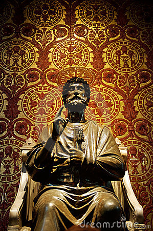 Free Statue Of St. Peter In Vatican Royalty Free Stock Image - 8375956