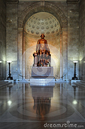 Statue of President George Washington