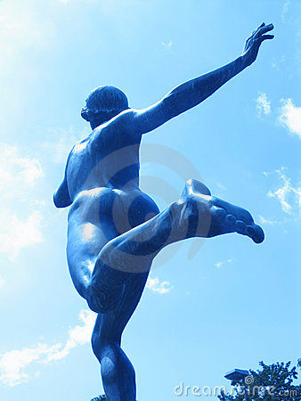 Statue runner 03