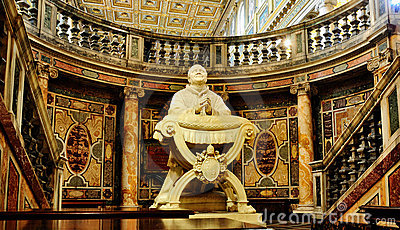 Statue in the Santa Maria Maggiore