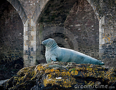 Statue to Nelson the Seal, Looe, Cornwall, UK Editorial Photography