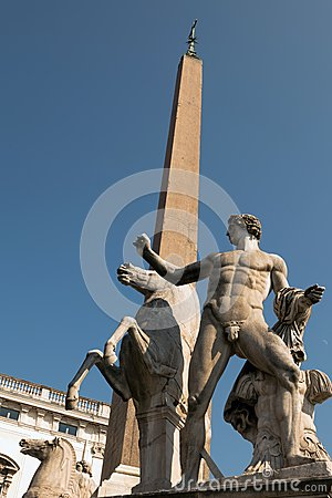 Free Statues Of Castor And Pollux Royalty Free Stock Image - 26660816