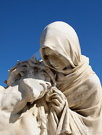 Free Statues Of Holy Mother And Christ Stock Photo - 5405920