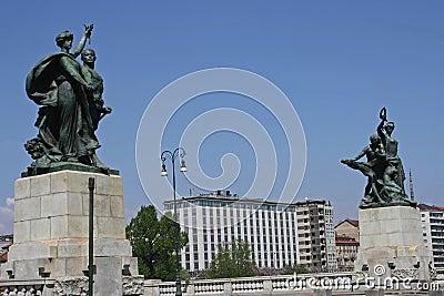 Statues over the bridge