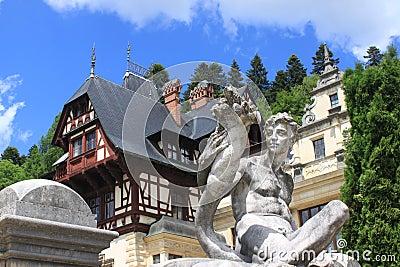 Staty på den Peles slotten