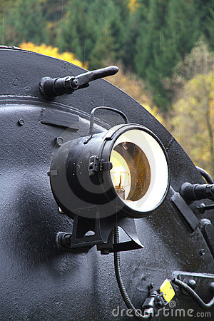 Steam locomotive headlight