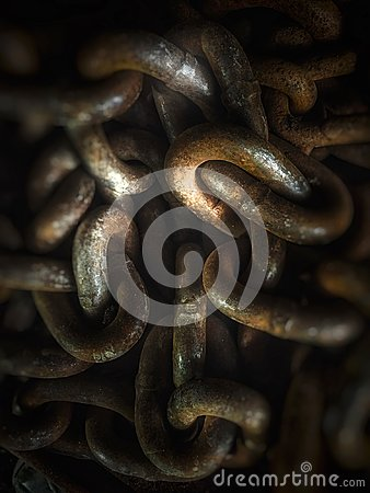 Free Steel Chain Links With Highlights Royalty Free Stock Images - 103456709
