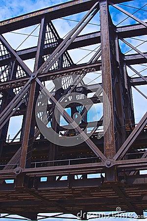 Free Steel Girders Of A Bridge Span Royalty Free Stock Image - 32647386
