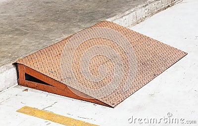 Steel plate ramp