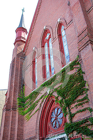 Free Steeple Tower, Windows And Ivy Facade, Church, Downtown Keene, N Stock Photography - 59464012