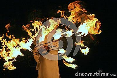 Stellen Sie mit Feuer dar Redaktionelles Foto
