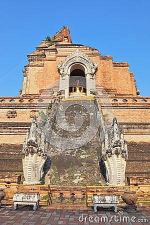 Step pyramid ritual dragons protect