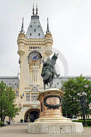 Free Stephen The Great Statue And Palace Of Culture - Landmark Attraction In Iasi, Romania Stock Photos - 73417223