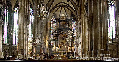 Stephens cathedral interior in vienna